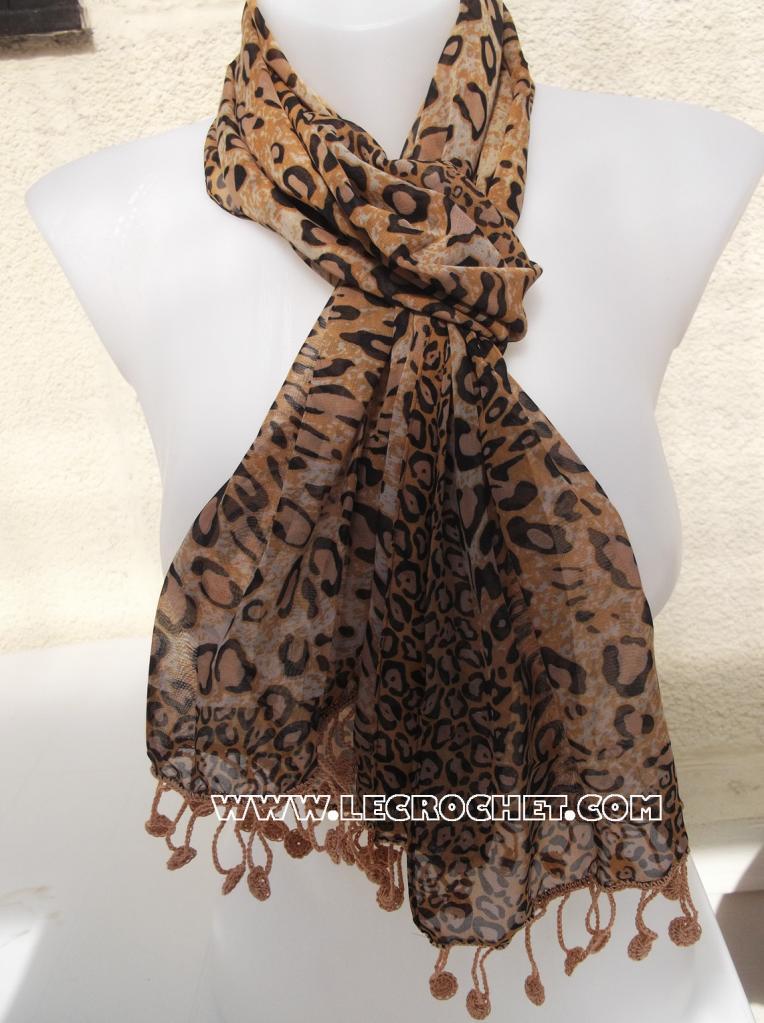 foulard original marron et noir