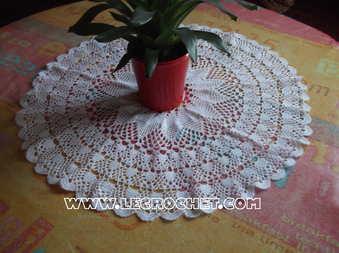 grand napperon au crochet