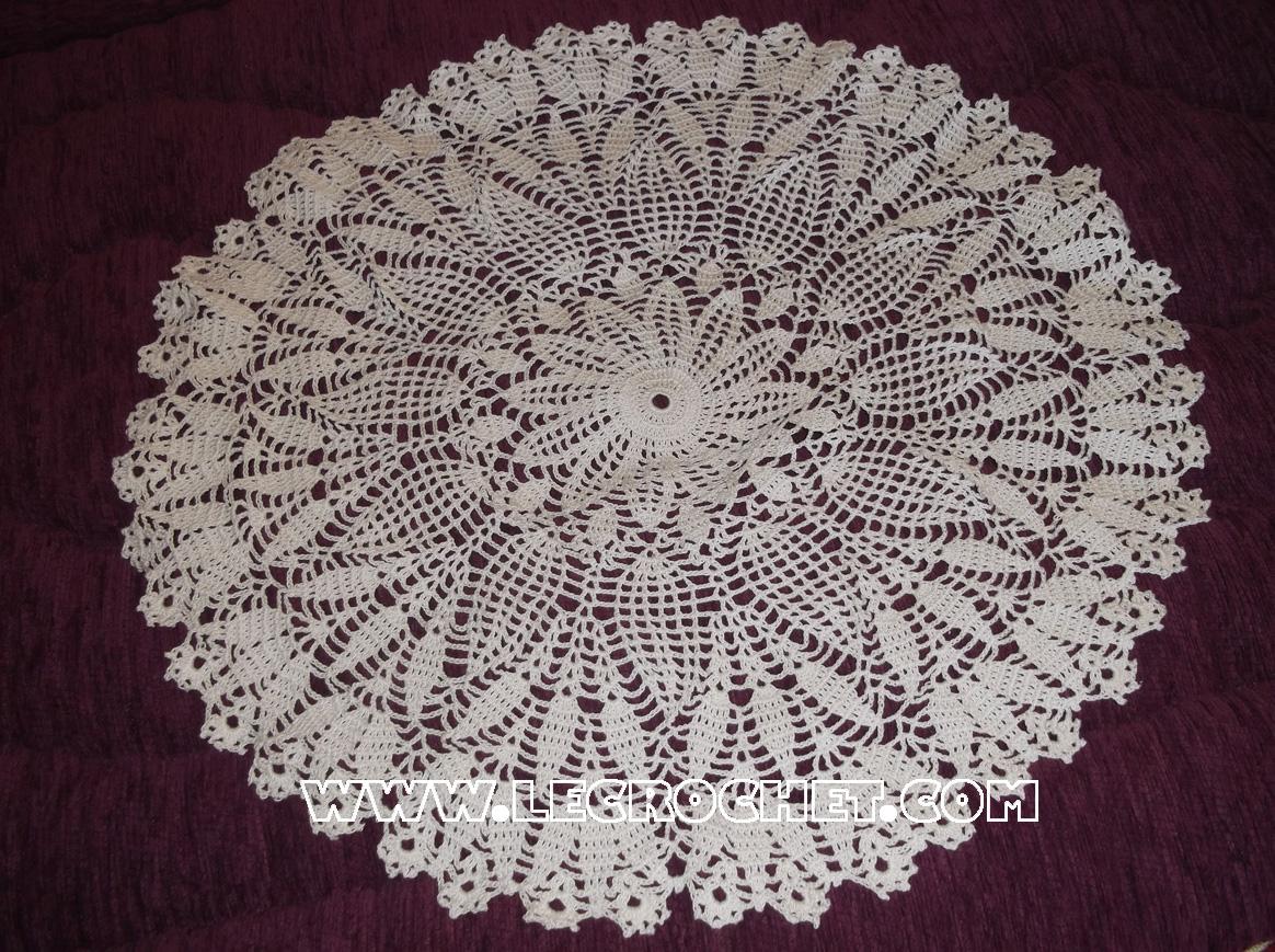 napperon blanc au crochet