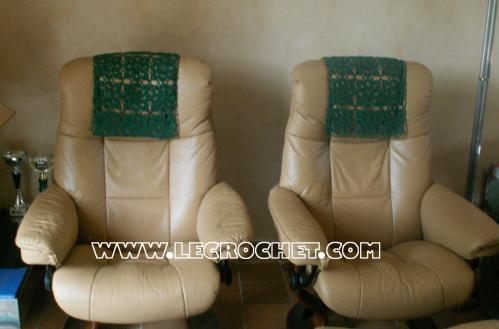 tétière au crochet pour fauteuil ou canapé