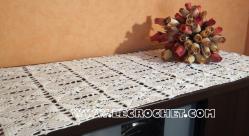 grand chemin de table au crochet
