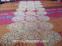 tapis de table au crochet