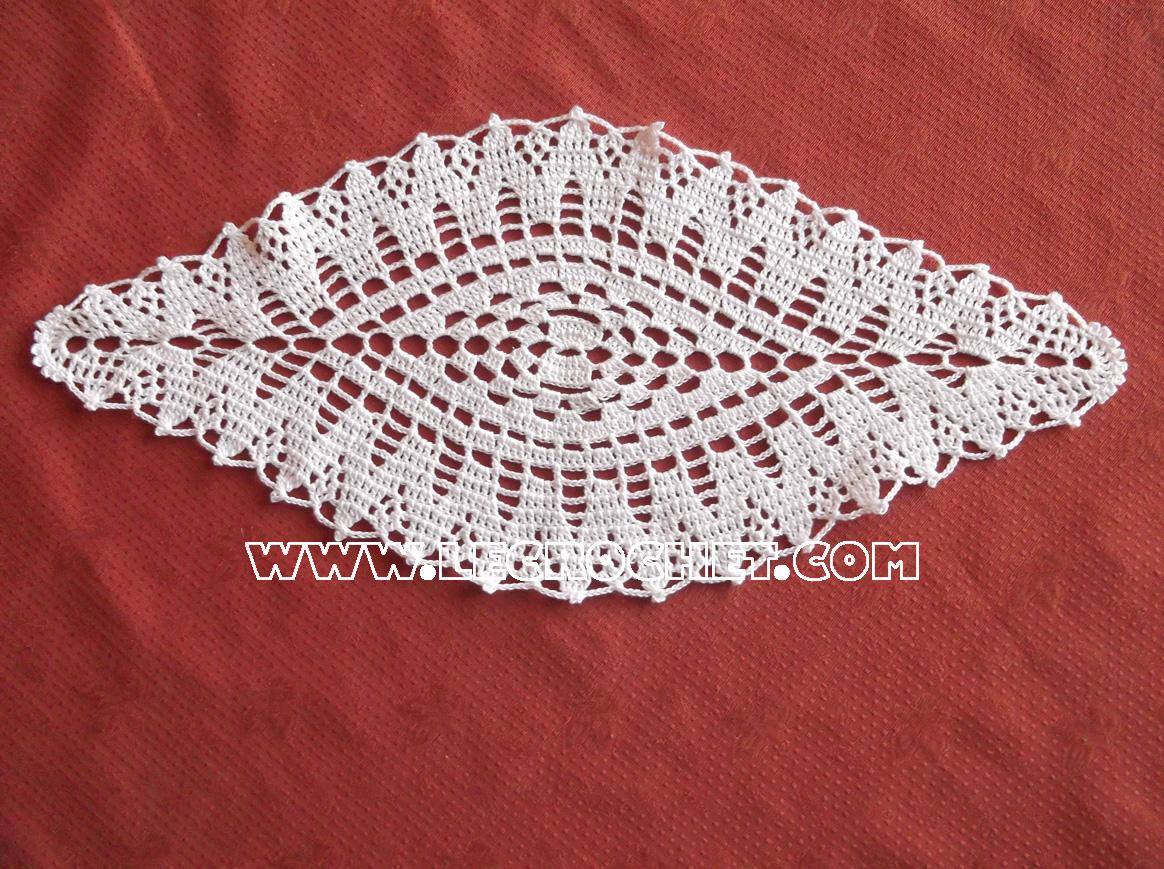 Petit Napperon Ovale Au Crochet